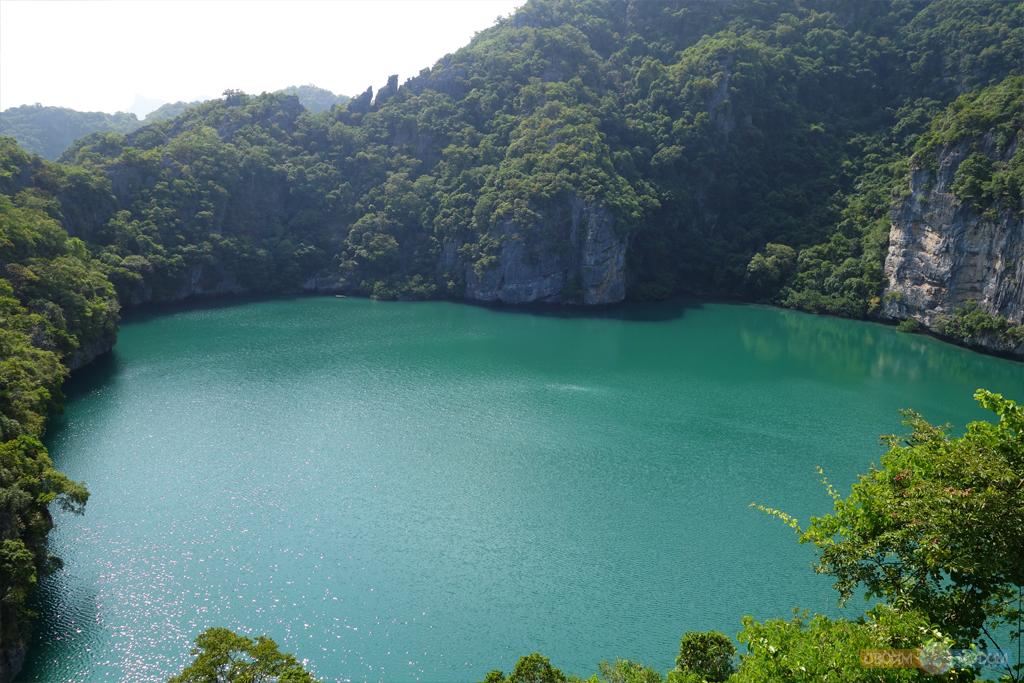 Национальный Морской Парк Ангтхонг | Mu Ko Ang Thong National Park | Вид на Изумрудное озеро со смотровой площадки