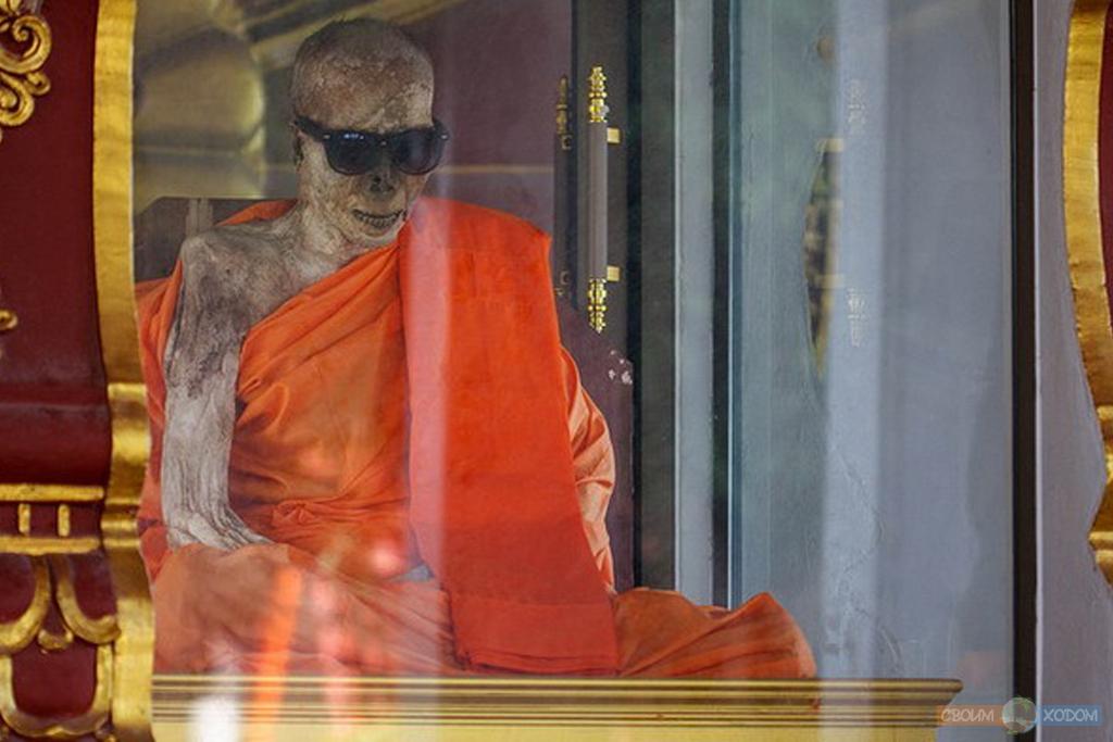 mummified-monk-samui-5